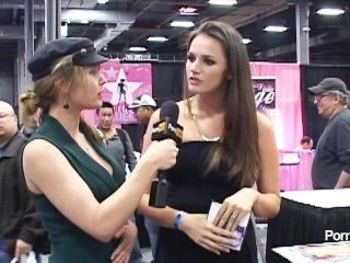 pornhubtv Tori Black Interview bei Exxxotica 2012