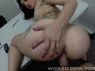 wicked - Hinterzimmer Castings mit hot Teen