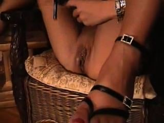 blonde Milf High Heel Pussy masturbiert - great vid - heelslovers @ pornhub