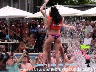wilde Pool-Party bei Fantasy Fest 2014 Key West