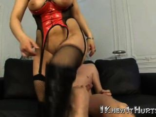 geile big Tit Babe in Latex-Anzug