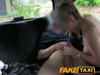 faketaxi hot blonde Polizistin in Taxi Rache