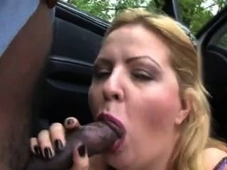 Sex Hq - Amateur Big Ass Carmen Im Freien